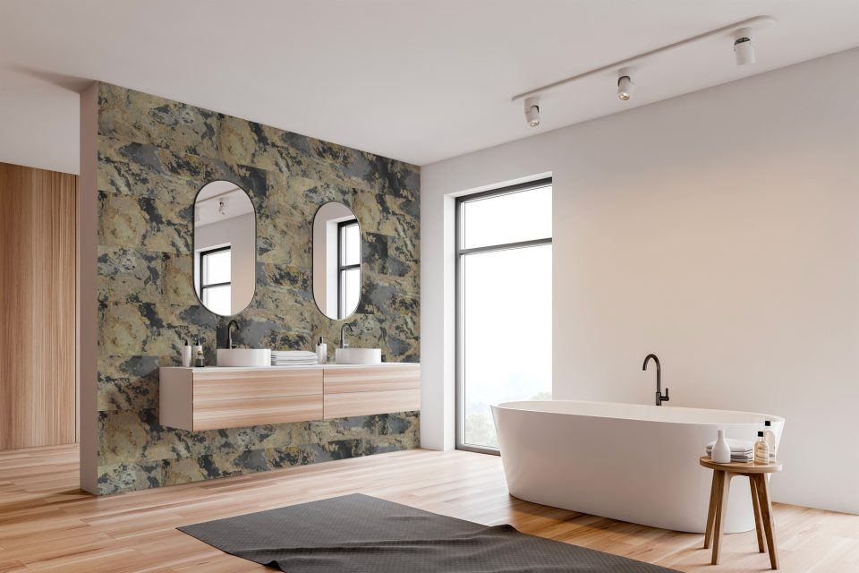 Feuille de pierre 100% naturelle adhésivée Stick&Stone by StoneLeaf modèle Moscou aux murs d'une salle de bain