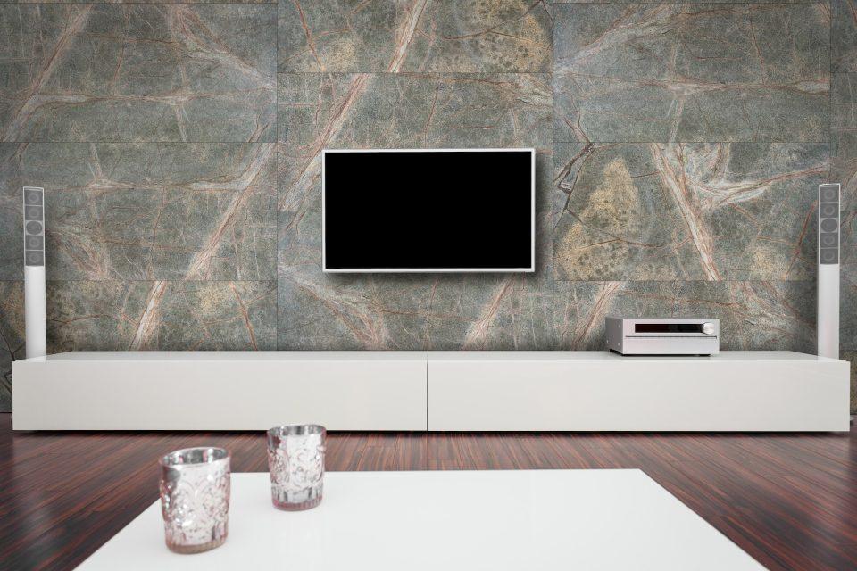 Feuille de pierre 100% naturelle StoneLeaf modèle Lima sur mur