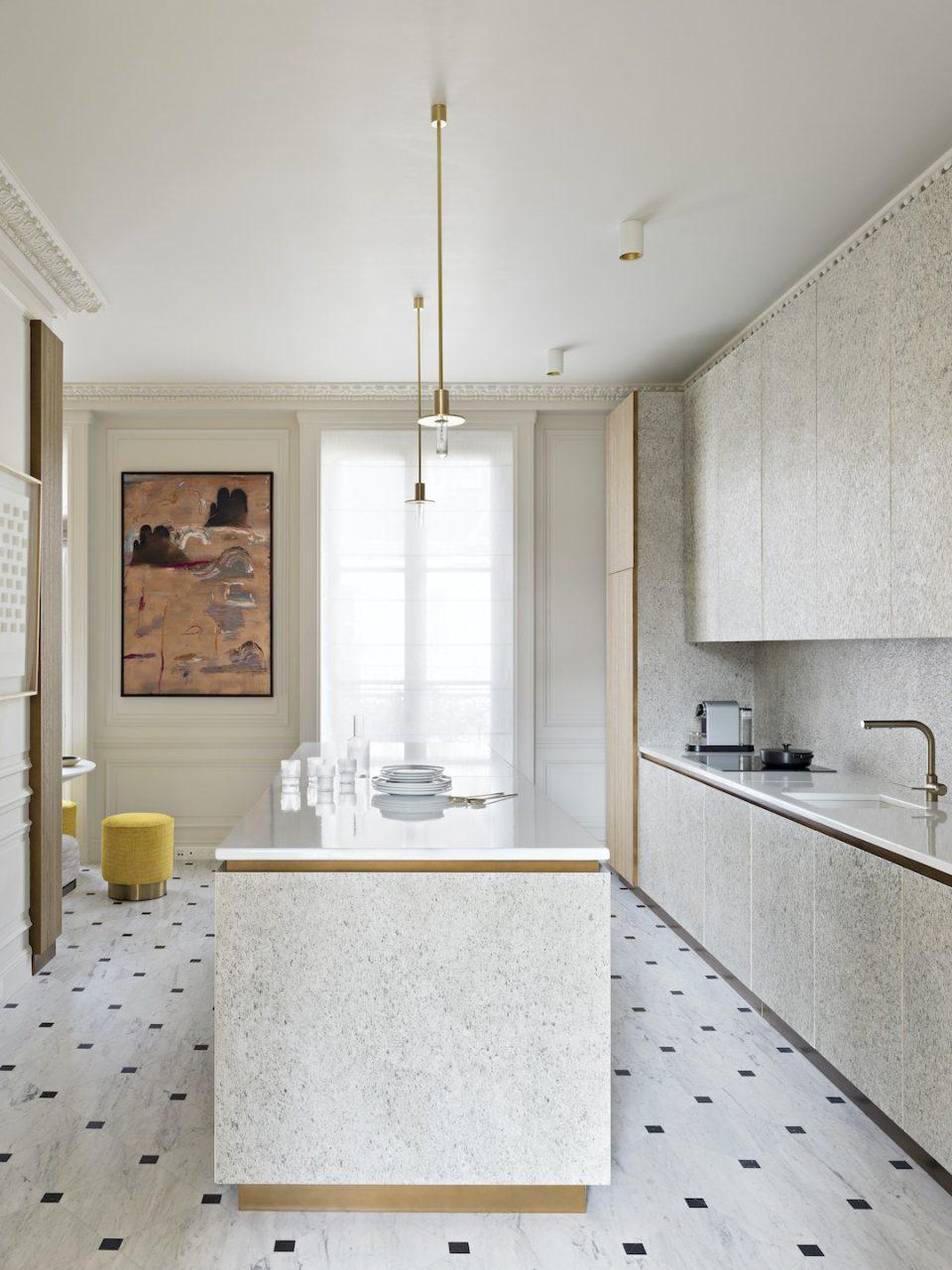 Feuille de pierre 100% naturelle StoneLeaf modèle Oslo sur les murs, crédence et meubles de cuisine