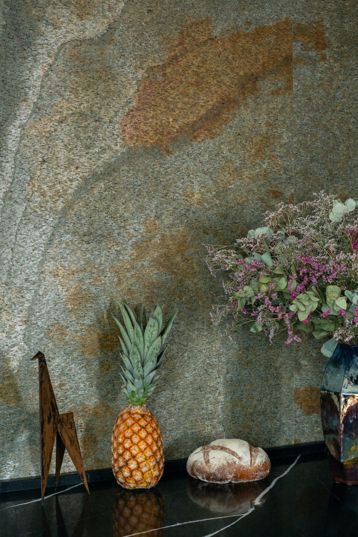 Feuille de pierre 100% naturelle StoneLeaf modèle Paris sur murs