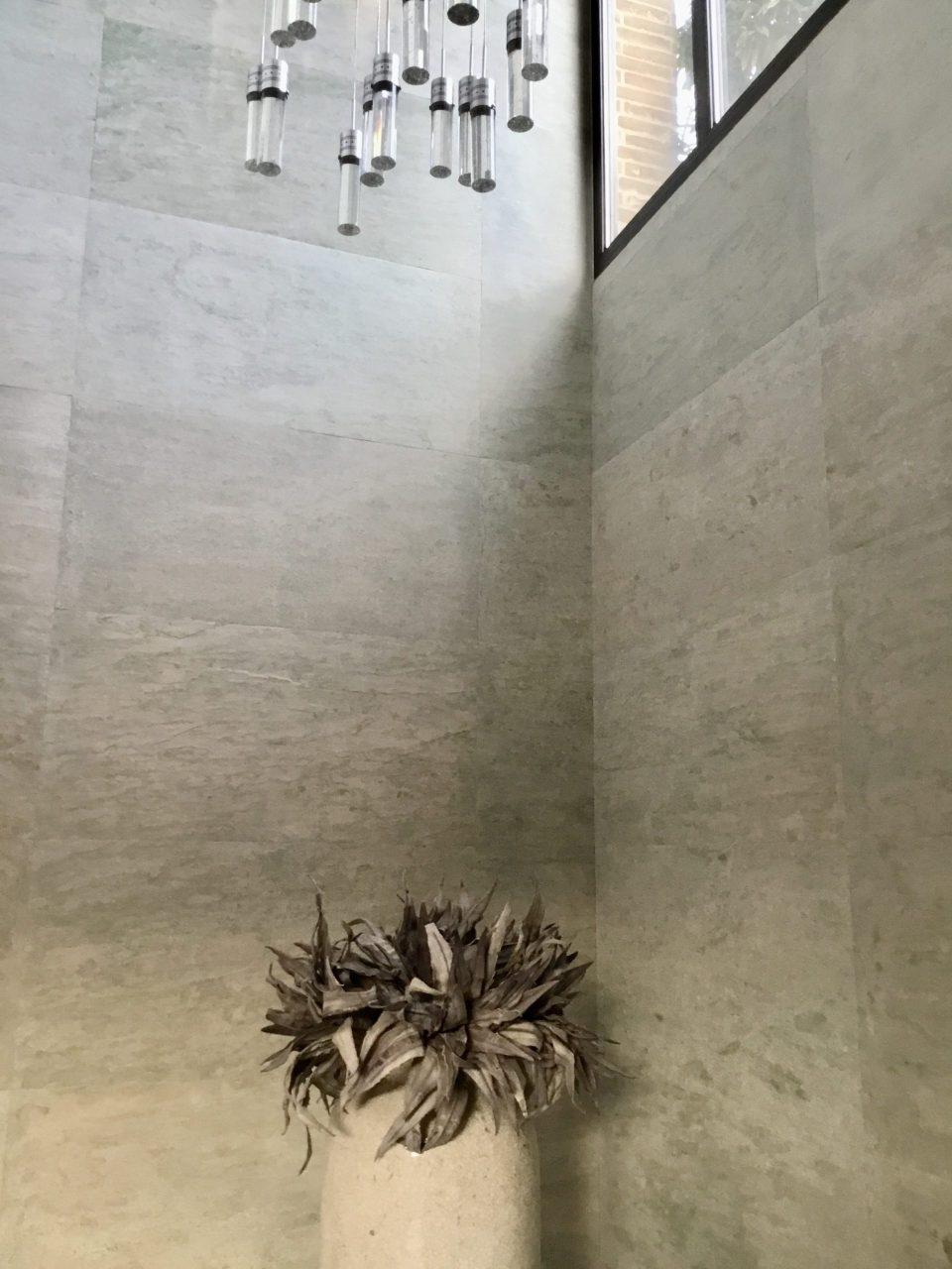 Feuille de pierre 100% naturelle StoneLeaf modèle Riga sur les murs