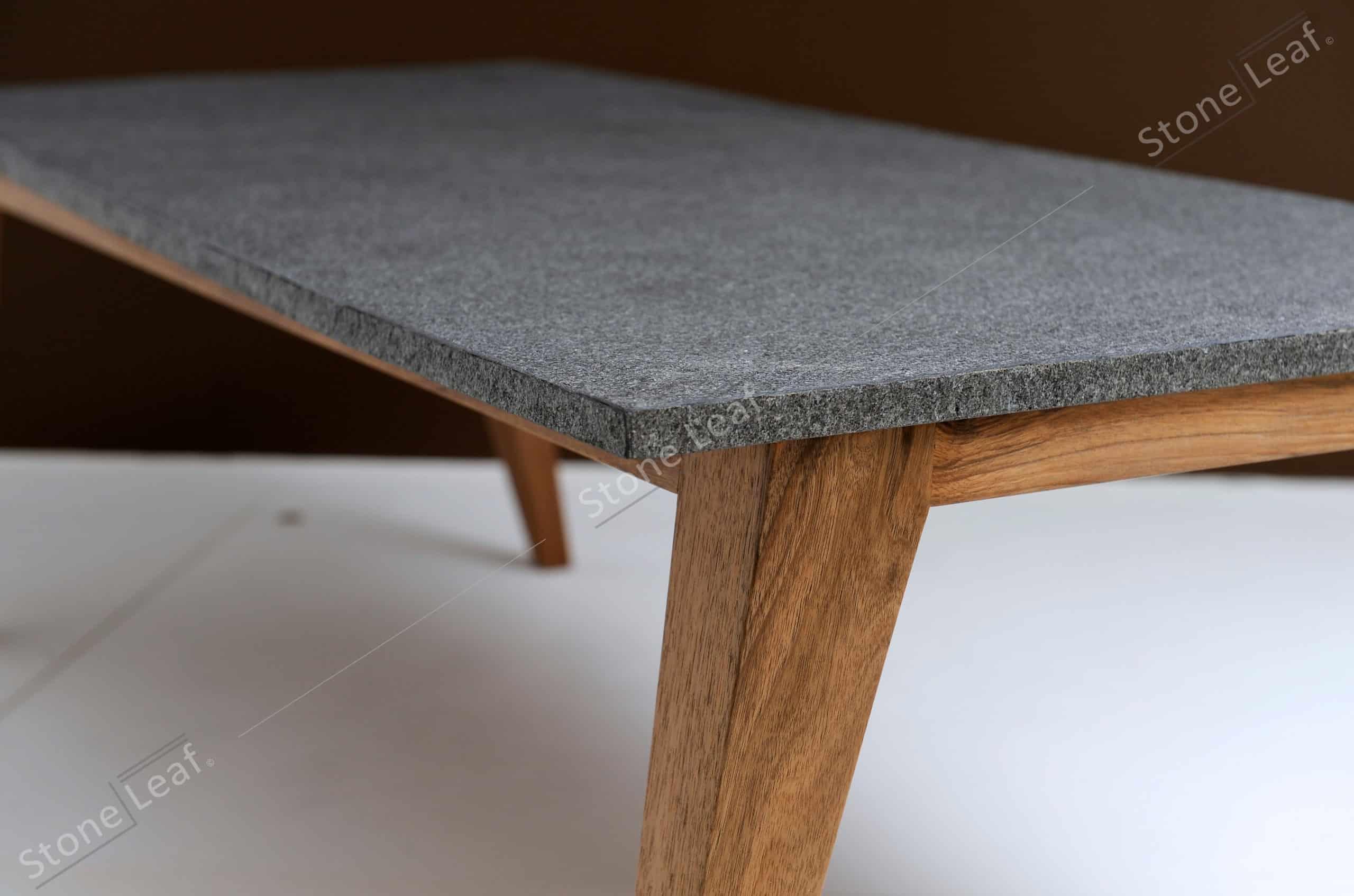 Feuille de pierre 100% naturelle sur une table